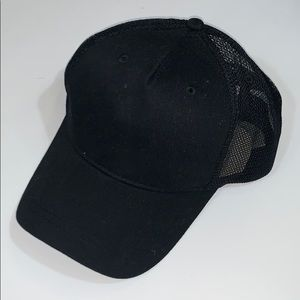 Pacsun black plain cap
